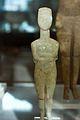 Cycladic figurine, female, 2800-2300 BC, AM Naxos (13 06), 119900.jpg