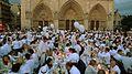 Dîner en blanc - White Diner 2011 Parvis Notre-Dame (5843377468).jpg