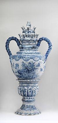 De Grieksche A tulpenvaas Museum Het Prinsenhof.jpg