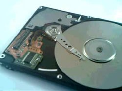 קובץ:Defective hard drive open.ogv