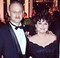 Delta Burke and Gerald McRaney at the 1990 Annual Emmy Awards cropped.jpg