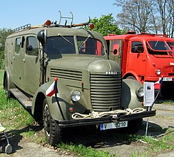 Den otevřených dveří v Řečkovicích, výstava hasičských vozů a techniky (10).jpg