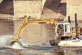 Dragando el Ebro (9370726707).jpg