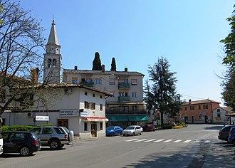 Dutovlje - Image: Dutovlje Slovenia square