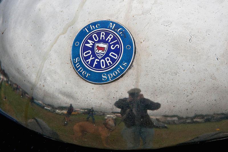 File:Enamelled badge on an early MG car.jpg
