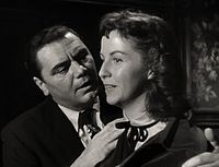 Ernest Borgnine-Betsy Blair in Marty trailer.jpg