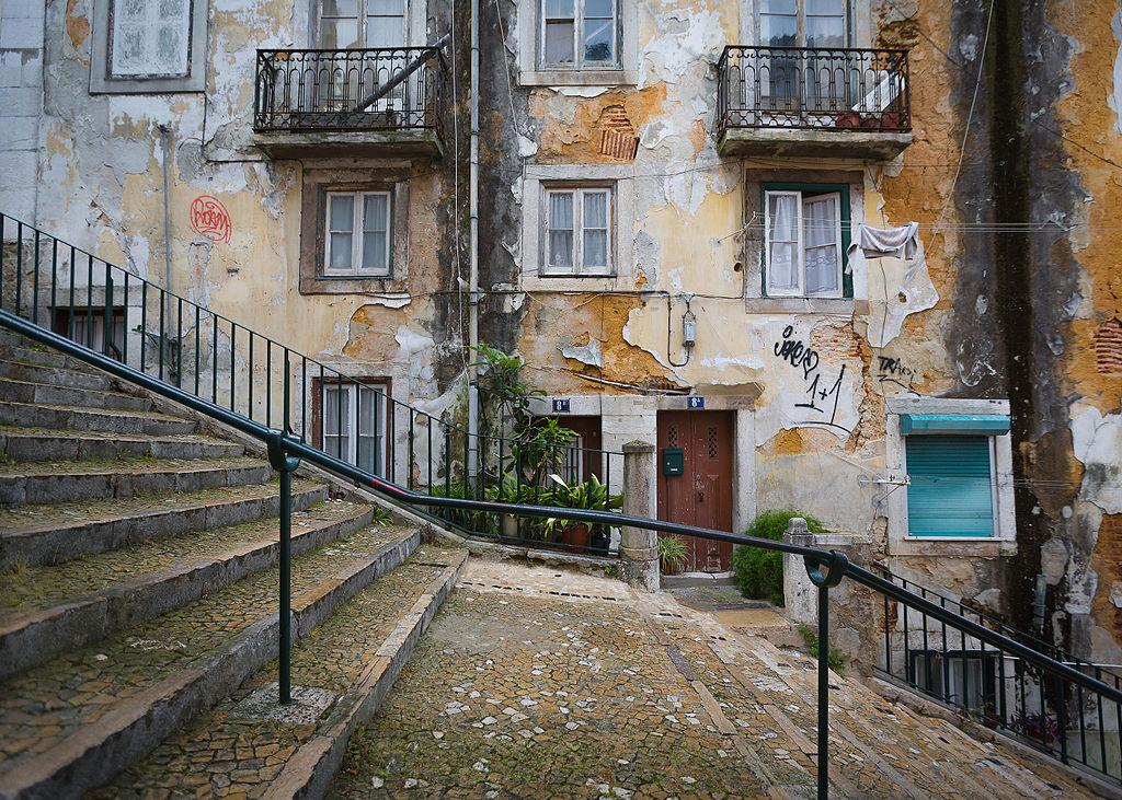 Escalier à Lisbonne et façades décaties - Photo de Paulo Valdivieso