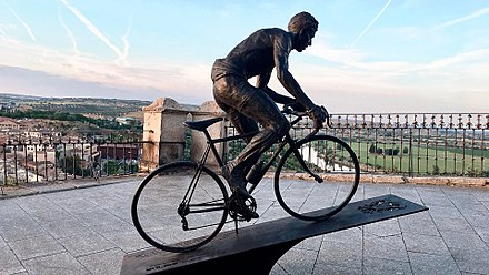 Monument of Federico Bahamontes in Toledo (Spain) donated by Fundacion Soliss Escultura de Federico Martin Bahamontes en Toledo 01.jpg