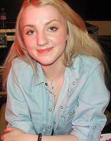 Evanna Lynch at HBP signing in London - Dec 09 cropped.jpg