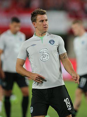 Simon Cox (footballer, born 1987) - Simon Cox in action for the Republic of Ireland