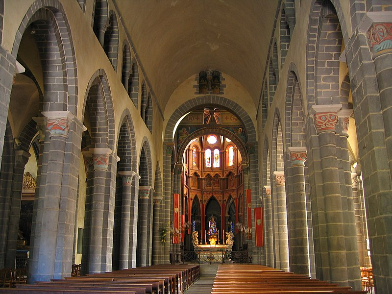 File:FRANCE - Auvergne - RIOM - La basilique Saint Amable Interieur.JPG