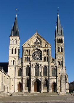 Basilique christianisme wikip dia - Basilique st remi reims ...