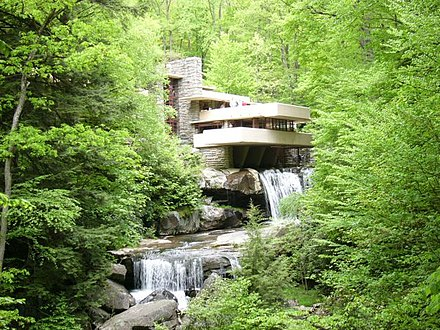 Fallingwater, Organic architecture by Frank Lloyd Wright - Architecture