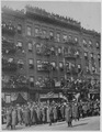 Famous New York (African American) soldiers return home. Anxious crowds gathered in the streets, fi . . . - NARA - 533554.tif