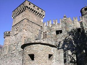 Fénis Castle - Image: Fenis 1