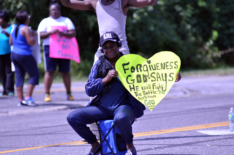 File:Ferguson, Day 4, Photo 12.png