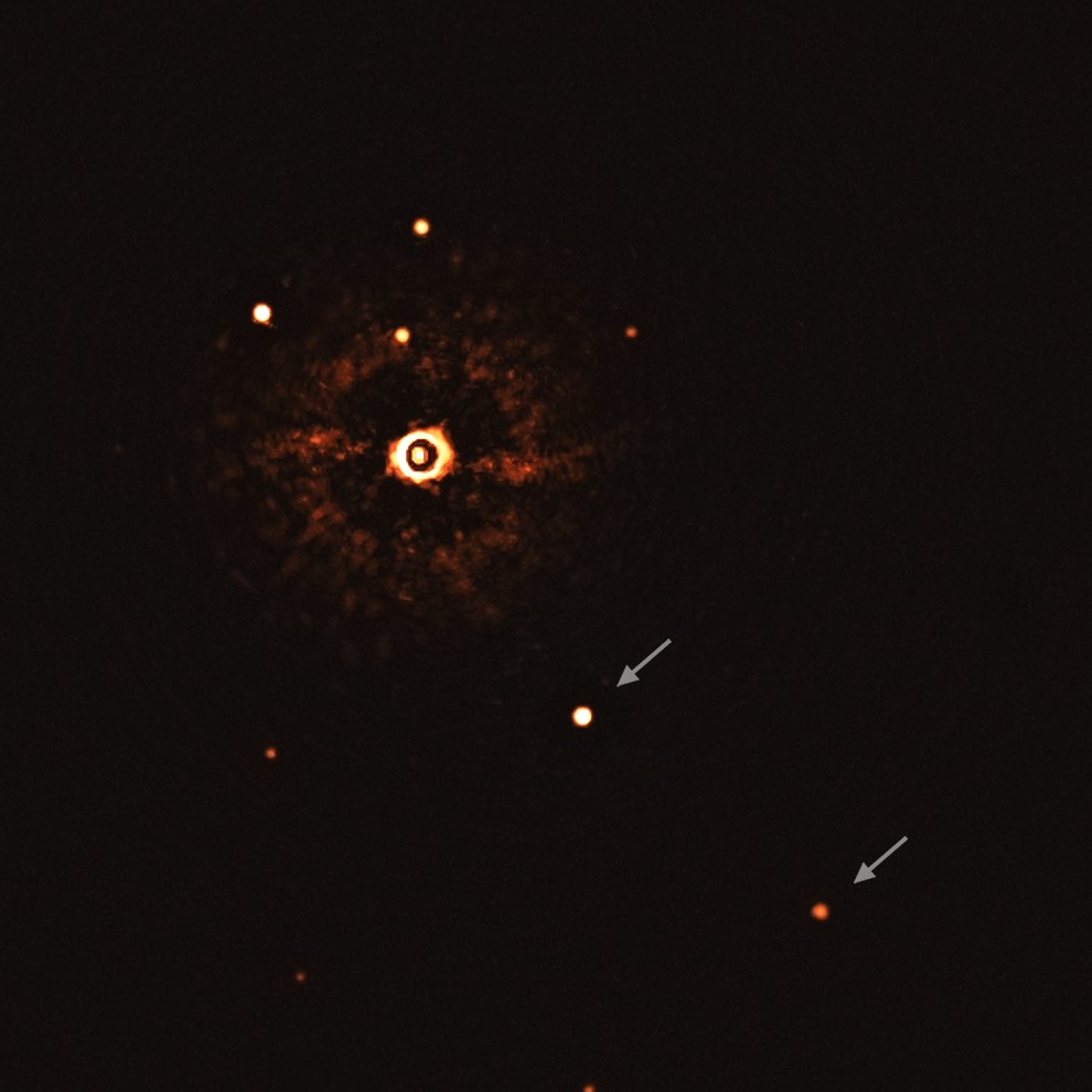 First ever image of a multi-planet system around a Sun-like star.tif