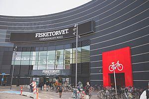 Bicycle parking - Image: Fisketorvet Bicycle Parking (15915777652)