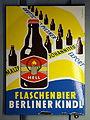 Flaschenbier Berliner Kindl Emaille Werbeschild.JPG
