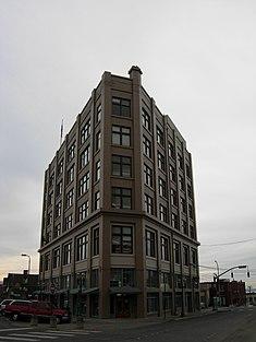 Flatiron Building (1907-1908) 1311-1319 Bay Street