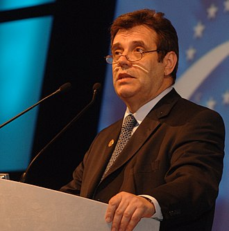 Vojislav Koštunica - Image: Flickr europeanpeoplesparty EPP Congress Rome 2006 (68) Cropped
