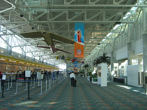 Fort Lauderdale – Hollywood International Airport terminal 1 check-in