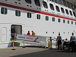 Fotos del crucero Carnival Breeze en el puerto de La Luz y de Las Palmas en Gran Canaria (8179667841).jpg