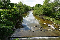 Four Mile Run stream, looking west from S Nelson St bridge; Arlington, VA; 2014-05-17.jpg