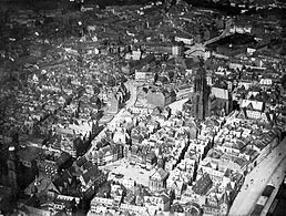 Frankfurt airship picture of the old town 1911-improved.jpg