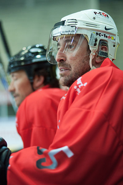 Fichier:Fredy Bobillier - LHC All Star Game - 3rd December 2011.jpg