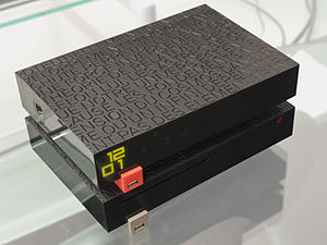 Freebox - The Freebox Server on top and the Freebox Player