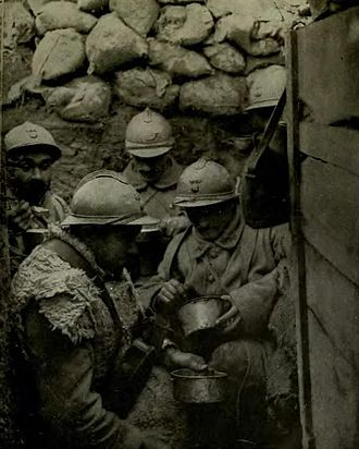Poilu - Poilus in a trench