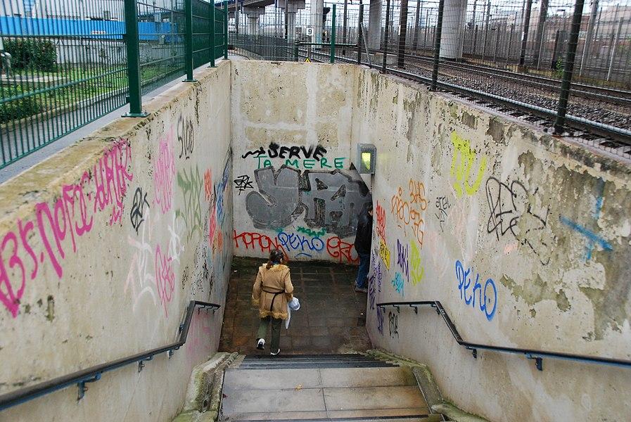 Entrée d'un des souterrains de la gare de Forest-Midi, en 2011.