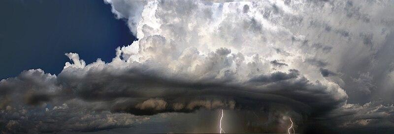 File:Gewitter Thunderstorm.jpg