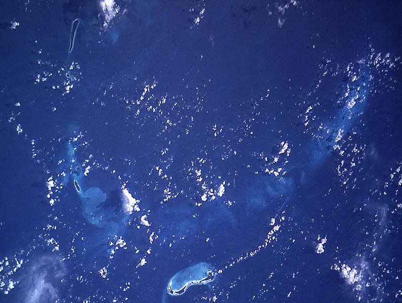 File:Great Chagos Bank STS009-39-2493.JPG