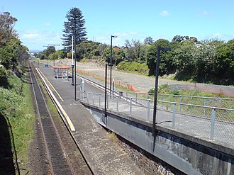 Greenlane railway station - The station in 2008, looking south.
