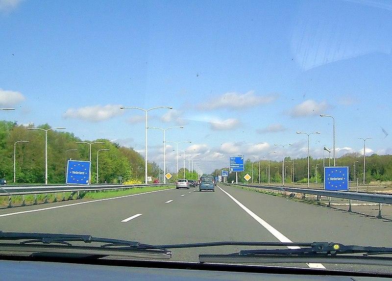File:Grenzübergang Elten Niederlande.JPG