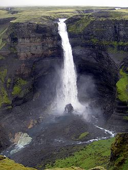 Haifoss fall in Iceland 2005.JPG