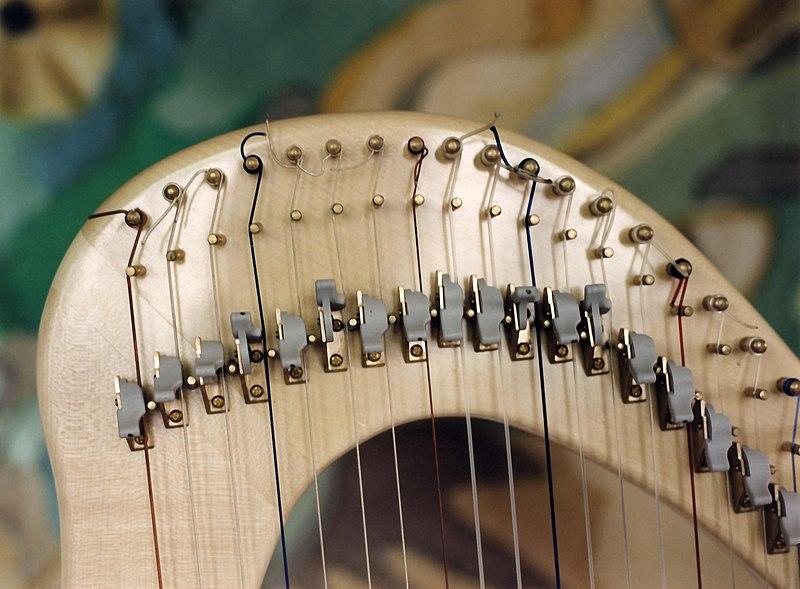 File:Harfe.jpg