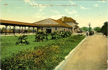 English: Hattiesburg Union Station in the earl...