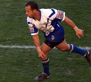 Hazem El Masri - El Masri playing for the Bulldogs in 2004