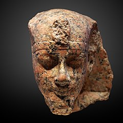 Head of a king-E 17187