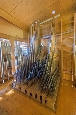 Herz-Jesu-Kirche (Augsburg) - pipe organ inside (HDRI) - 04.jpg