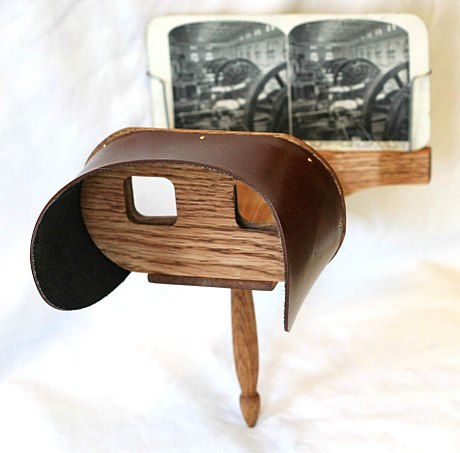 A Holmes stereoscope, the most popular form of 19th century stereoscope Holmes stereoscope.jpg