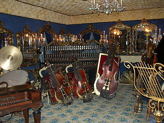 House on the Rock - Image: House on the Rock automated instruments