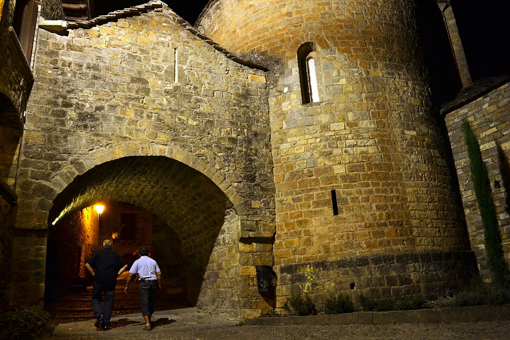 Iglesia de l'Ainsa, Sobrarbe, Aragó.jpg