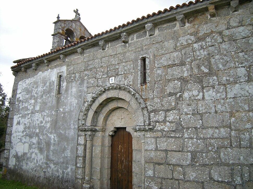 Igrexa de Santo Estevo de Pezobrés, Santiso