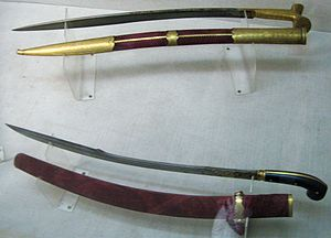Yatagan - Yataghan (on top) and kilij from Topkapı Palace Museum İmperial Armoury