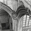 Interieur, noordwestelijke vieringpijler - 's-Hertogenbosch - 20425390 - RCE.jpg