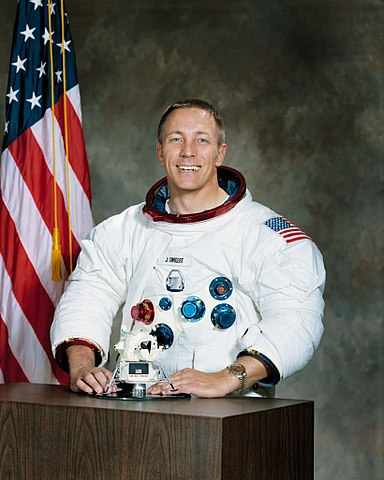 Astronaut Jack Swigert Jr., NASA photo S71-52266 (December 1971)Source: Wikipedia (spaceflight.nasa.gov killed 25 Feb 2021) 384px-Jack_Swigert.jpg